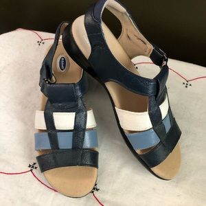 Dr Scholls Velcro sandals shoes 8